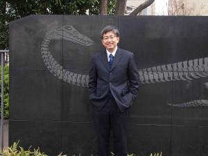 Dr Makoto Manabe with Plesiosaur